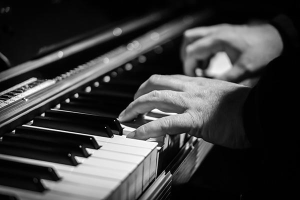 Piano - Playing